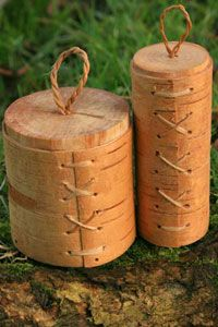 Articles and Tutorials for basket weaving to  making canoes to an elderflower cordial recipe at - jonsbushcraft.com#