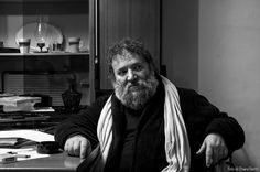 """Vincenzo Costantino Chinaski sul set de """"La porta del destino"""", di Alessandro Zizzo."""