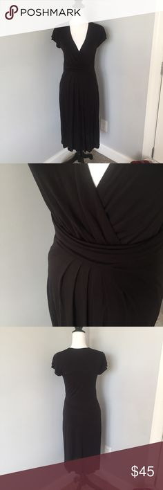 Boden Black V-Neck Pleated Midi Dress This dress is in excellent condition! It just doesn't have a care tag on the inside. Maxi or midi depending on height. 37in from armpit to the bottom. 30in waist, armpit to armpit 17in. Offers welcomed! 069 Boden Dresses Midi
