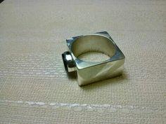 Cuadrado de plata con onix