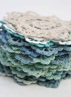 hundreds of Free Crochet Doily Patterns.
