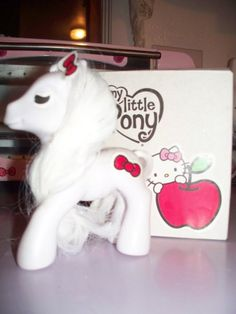 Hello Kitty My Little Pony, WHAT! Two of my most favorite things in the world combined! @Jennifer Ciliberto there should be world peace now!