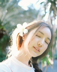 Chelsea Instagram, Portrait Photography Poses, How To Pose, Ulzzang Girl, Chic Outfits, Hair Beauty, Photoshoot, Photo And Video, Celebrities