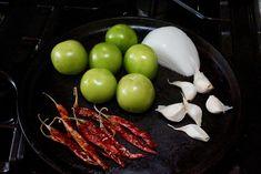 Roasted Tomatillo Salsa with Chile de Arbol - Everyday Latina Mexican Salsa Verde, Mexican Salsa Recipes, Tomatillo Salsa Verde, Roasted Tomatillo Salsa, Spicy Salsa, Fresh Salsa Recipe, Tomato Salsa Recipe, Best Guacamole Recipe, Fresh Guacamole