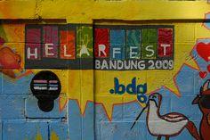 Mural of Bonbin Tamansari (Bandung City Zoo, located on Jalan Tamansari), part of Helarfest Bandung 2009 – Mural Project | My ex drew this!