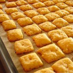 Homemade Cheese Crackers | RecipeNewZ