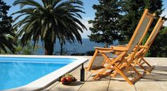 Villa Carmen Rooms & Apartments Mlini The family-run bed and breakfast Casa del Sole is set in the small tourist village of Mlini, in a quiet area of the Dubrovnik Riviera.