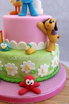 Esta bella tarta la teníamos sin publicar, hemos tenido una oleada de tartas de Pocoyo que se nos había escapado !!!   Pero nunca es tarde ... Sweet Birthday Cake, Birthday Cake Girls, Dog Cupcakes, Cupcake Cakes, Dog Cookies, Bday Girl, Cake Decorating Techniques, Themed Cakes, Cake Art