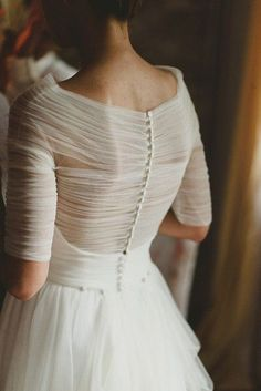 39 Button Back Wedding Dresses That Impress | HappyWedd.com #PinoftheDay #button #back #ButtonBack #wedding #dress #impress