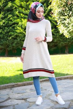 Muslim Fashion, Hijab Fashion, Girl Fashion, Fashion Outfits, Womens Fashion, Girls Winter Outfits, Fall Outfits, Modest Outfits, Casual Outfits