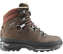 innovative design b26a8 1f03a LOWA Baltoro. Lightweight trekking boot with classic styling and ample toe  room for a wide