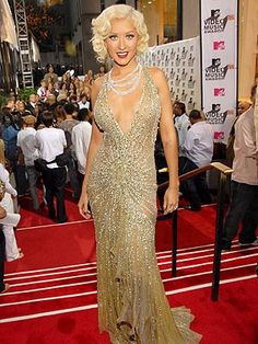 old hoolywood dresses and jewelry   Tell Us: What Do You Think of the VMAs Red Carpet? – Style News ...