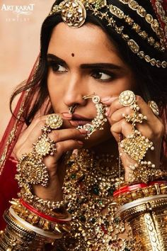 Some Amazing Lehenga Color Which We Love This Season :- Wanderlust Fashion Indian Jewelry Sets, Indian Wedding Jewelry, Indian Jewellery Design, India Jewelry, Bridal Jewelry, Indian Accessories, Jewelry Design, Rajasthani Bride, Rajasthani Dress