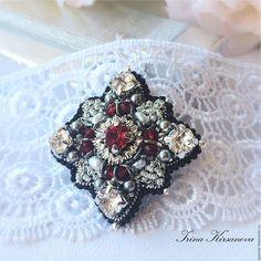 Купить Брошь -орден с жемчугом - красный, брошь, романтика, подарок девушке, подарок женщине