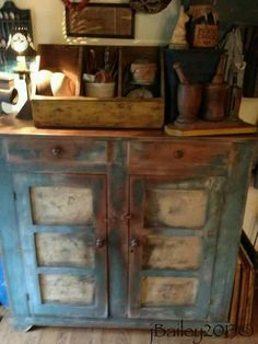 Old Blue Pie Safe...with prims.