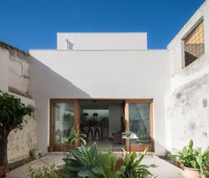 Iniesta Nowell Arquitectos · House for a writer