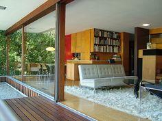 Richard Neutra Architect Secret Design Studio knows mid century modern architecture. Mid-century Interior, Modern Interior, Midcentury Modern, Design Studio, House Design, Richard Neutra, Up House, House Doors, Mid Century House