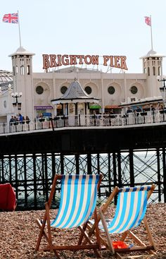 The English Seaside Brighton Seven Sisters Traveling Chic - The English Seaside Brighton Seven Sisters A Road Trip Through England Has Been On My Bucket List For Some Time Now Id Love To Spend A Week Visiting Seaside Towns And Staying In Quaint Cott Brighton England, Brighton And Hove, England Uk, London Brighton, London Pubs, British Seaside, British Summer, Brighton Photography, Travel Chic