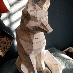 3d Paper Crafts, Diy Paper, Paper Crafting, Low Poly, Origami, Geometric Fox, Rabbit Sculpture, Office Christmas Decorations, Color Card