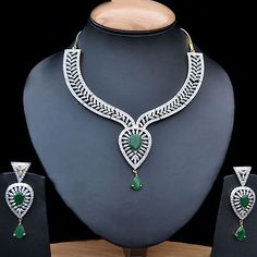 Indian Bollywood Jewelry Necklace Earrings Shining Emerald & Simulated CZ