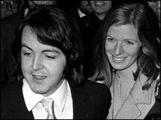 1969: Paul McCartney weds Linda Eastman