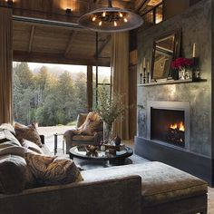 35 The Most Popular Rustic Interiors Decorating With a Stunning Blend of Contemporary Designs Farmhouse Homes, Farmhouse Style, Farmhouse Decor, Cabin Interiors, Rustic Interiors, Rustic Home Design, Napa Valley, Architect Design, Interiores Design