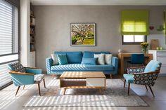 תהליך שיפוץ שהחל לפני חמש שנים הגיע סוף סוף לסיומו עם שינוי סקאלת הצבעים בבית, הוספת פינת אוכל נפתחת, חיפוי של טפטים ותכנון רהיטי אחסון מיוחדים