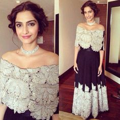 Sonam Kapoor dresses pictures for her fans. Sonam Kapoor photos in Saree, Suits and Off Shoulder Dresses to get more Styling ideas. Indian Attire, Indian Wear, Pakistani Outfits, Indian Outfits, Saris, Patiala Salwar, Anarkali, Cape Lehenga, Lengha Choli