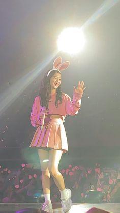 Blackpink Jisoo, South Korean Girls, Korean Girl Groups, Blackpink Twitter, Divas, Blackpink Debut, Blackpink Photos, Ji Soo, Park Chaeyoung