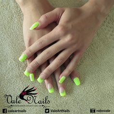 #ricostruzioneunghie #unghie #nails #summer #geluv #gelcolor #style #fashion #beauty #nailart #picoftheday #instagood #indigonailab #yellowcolor #glitter #colorfluo