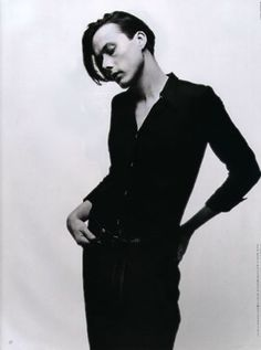 Brett Anderson of Suede.  *rubs knees* Yes, he stands out as the girly man from the bunch.
