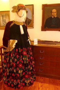Traditional Wedding Attire, Traditional Dresses, Latin Words, Folk Dance, Costumes, Greeks, Bride, Folklore, Wedding Dresses