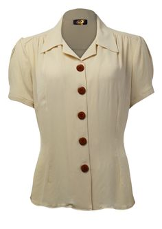 New Shirt - Buttermilk This inspired blouse would have been a mainstay item during the - made in our newly sourced rayon crepe - feels really vintage. Classic Outfits, Retro Outfits, Cool Outfits, Vintage Outfits, Vintage Wardrobe, Blouse Vintage, Vintage Shirts, Vintage Tops, Vintage Style