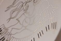 """""""Piano"""" fine #dinning  #tableware #porcelain #showplate #chargerplate #platinum #artist #kunst #porcelæn #elizabethromhild #hjem #bolig #living #lifestyle"""