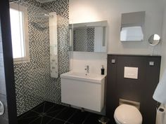 Black And White Small Bathroom Decoration