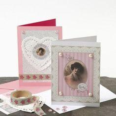 Kort fra Happy Moments med romantisk pynt i design fra Vivi Gade Happy Moments, My Design, Greeting Cards, In This Moment, Frame, Diy, Blonder, Home Decor, Tags