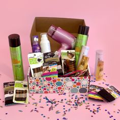 Help me win a Hairstyling Pack for me and a friend from @pinchme!