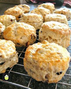 Afternoon tea scones are a quintessential part of British culture. Learn how to make the best scones using some of our favorite tried and tested scone recipe, and how to serve them with a lovely cu… English Scones, English Food, British Scones, English Snacks, English Recipes, Fruit Scones, Simply Yummy, Tea Biscuits, Tea Time Snacks