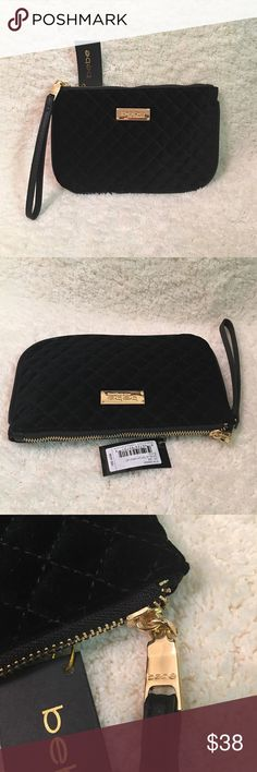 🎄🌟💝Bebe Top Zip Black Velvet Wristlet💝🌟🎄 100% Authentic! New With Tag. In Excellent Condition! Features: 2 inside pockets and one hand holder. Hardware is gold plated. Size is 9x6. Super cute for you and for your gift giving. Bundle more items in my closet to get instant discount plus a private discount. Happy Holidays! bebe Bags Clutches & Wristlets