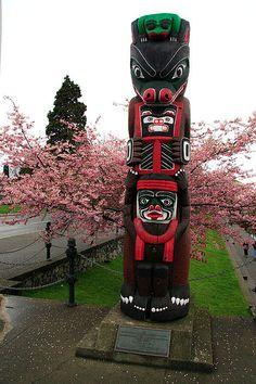 Totem Pole by ˇBerd, via Flickr