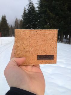 High quality mens wallet made from cork wood. This environmentally friendly wallet provides a smooth texture on a cork surface that is not only stylish
