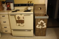 Recycle Bin made from Repurposed Pallet wood
