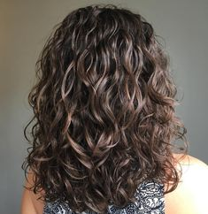 Medium Permed Hairstyles, Modern Hairstyles, Curled Hairstyles, Wedding Hairstyles, Long Curly Haircuts, Redhead Hairstyles, Beach Hairstyles, Modern Haircuts, Cute Hairstyles For Short Hair