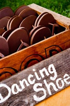 Unique Wedding Ideas - buy cheap flip flops for your guests to slip on when it's time to hit the dance floor! ♥ Creative Wedding Ideas