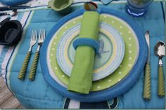 Let's Dish 856 - Napkin Ring, Charger Rim and Placecard Setting using Pool Noodles DYI