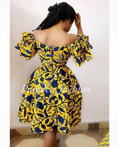 ew Inn🚨 available in size Uk (swipe) Price at Diyanu Short African Dresses, Ankara Short Gown Styles, African Print Dresses, African Fashion Ankara, Latest African Fashion Dresses, African Print Fashion, African Print Dress Designs, African Traditional Dresses, Africa Fashion
