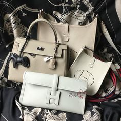 @birkinm4ry My neutral family for comparison: Grege Pale Clemence Evelyne, Craie Clemence TPM Evelyne, Gris Perle Swift Jige and Gris T Togo Kelly 28. Happy Friday and Happy Weekend to you all