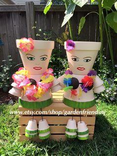 Flower Pot People, Clay Pot People, Clay Pot Crafts, Fun Crafts, Clay Flower Pots, Mary Mary, Hula Girl, Clay Dolls, Terracotta Pots