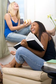 Tips for meeting your new roommates