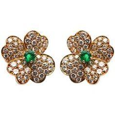 Van Cleef & Arpels Emerald Diamond Gold Flower Ear Clips